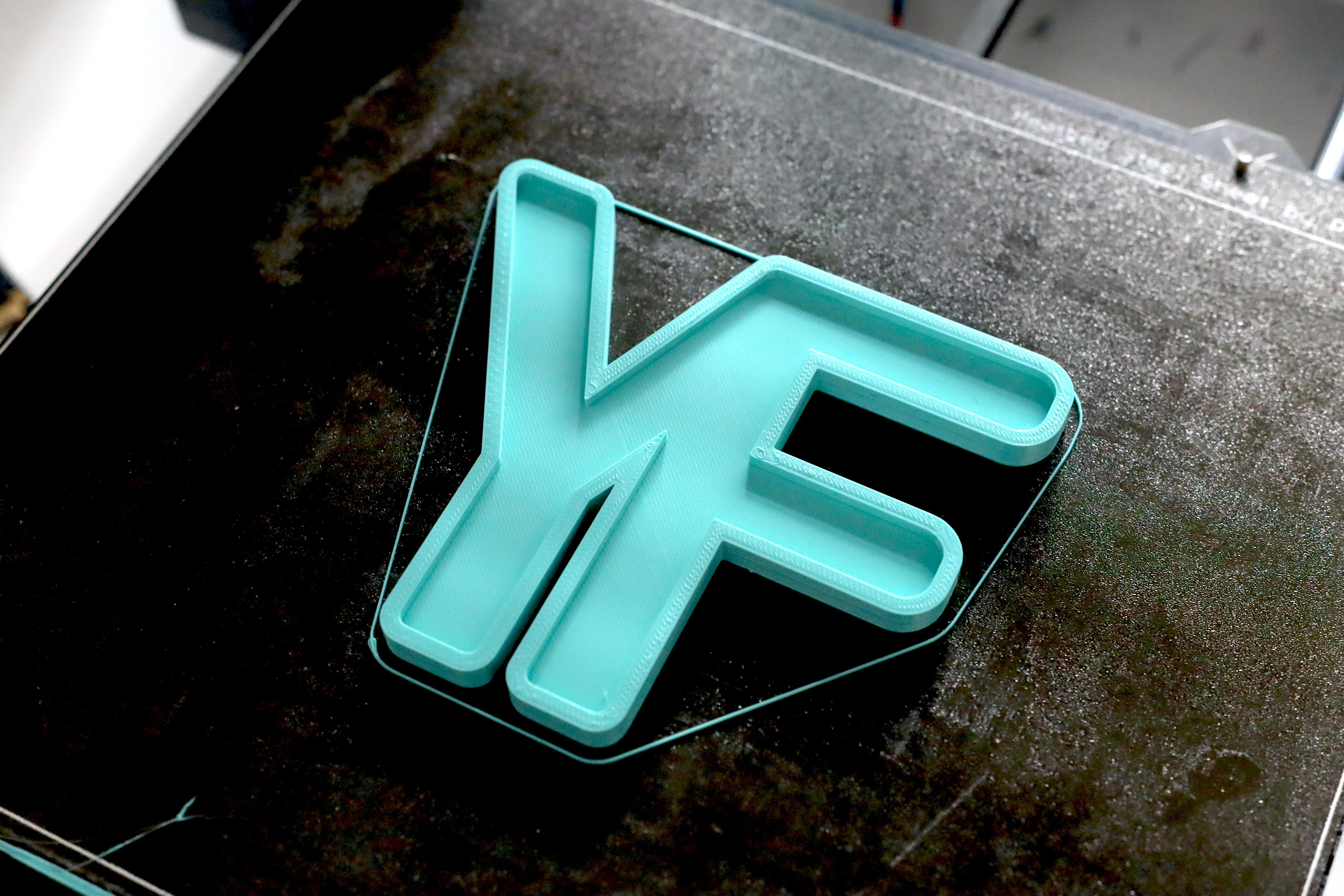 3D Printing Materials - PLA - Makelab - Print Bed Blue
